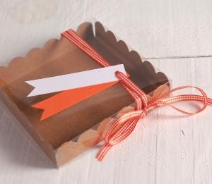 Scatola decorata per i biscotti