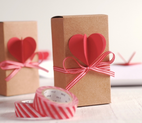 Long box with 3D heart and ribbon