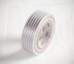 Washi tape con rayas plateadas