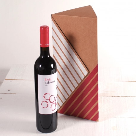 Triangular decorated box for wine