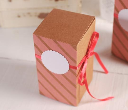 Scatolina da regalo in color corallo