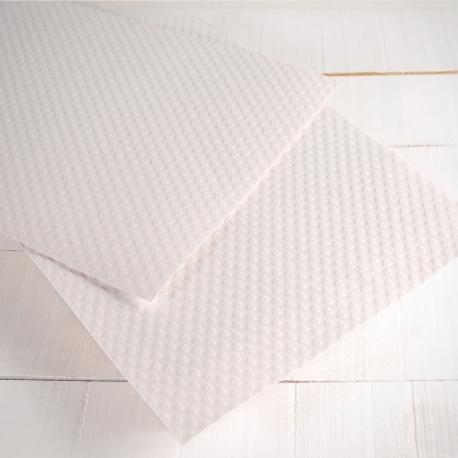 Carta goffrata a forma di cuori
