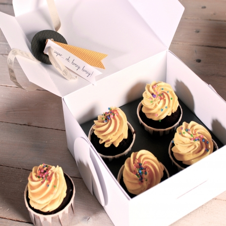Box for Cupcakes as Gifts