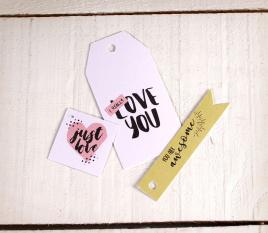 Set von gedruckten Etiketten Love