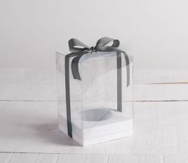 Kleine Schachtel mit Schleife für Osterei