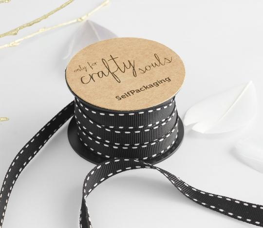 Cinta de regalo negra con pespuntes