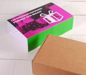 Postal box with a customisable sleeve