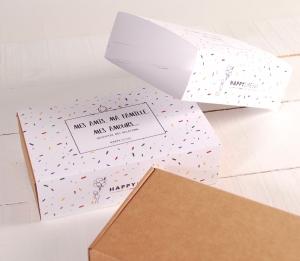 Caja con faja decorada