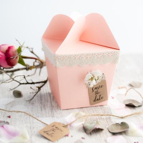 Caja regalo cierre de flor