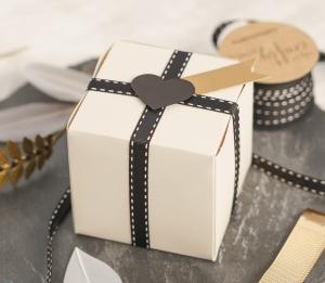 Kleine elegante quadratische Schachtel