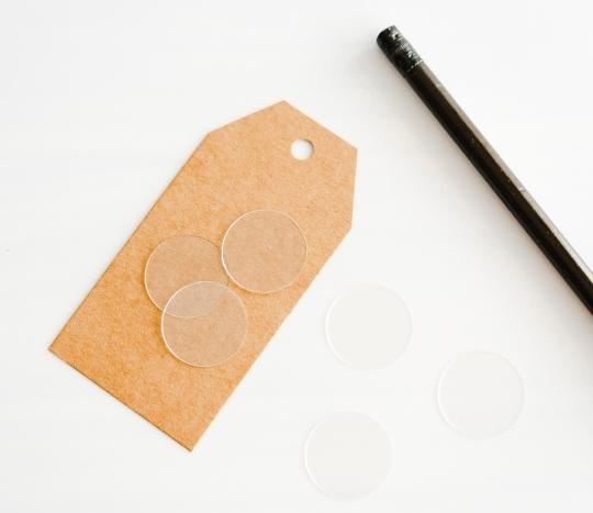 Adhesivo transparente