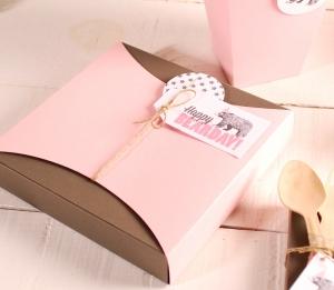 Fun idea for a small flat gift box