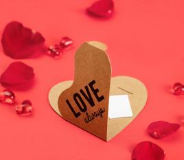 Schachtel in Herzform für Gutscheine oder Karten