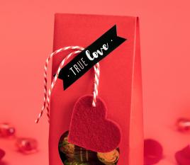 Adhesivos con mensajes para regalos