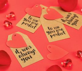 Kit 8 etiquetas impresas y corazones