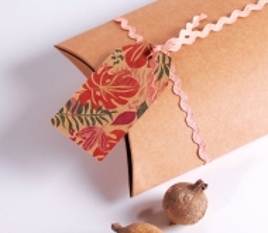 Pink zig-zag ribbon