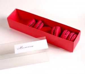 Caja alargada y decorada para macarons