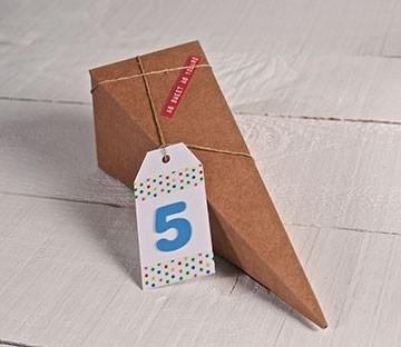 Conos de cartón para fiestas