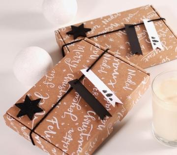 Caja postal de envío navideña